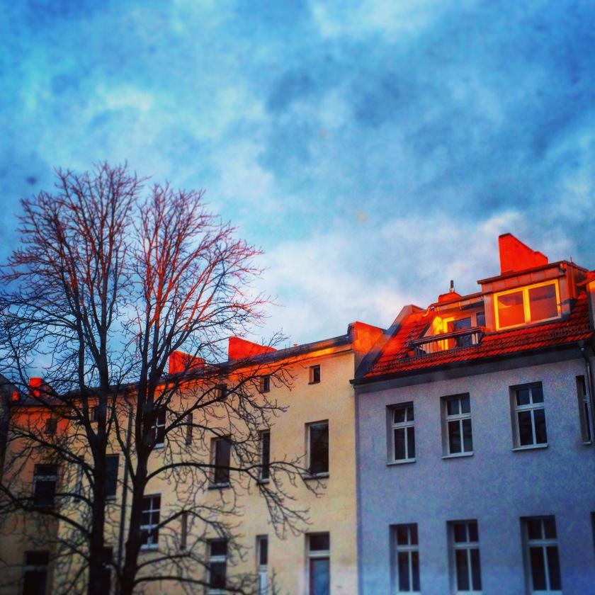 Dach in Berlin im Licht des Sonnenuntergangs / Das Versprechen der Sonne / Mrs K.Ess / (c)Kathrin Eß